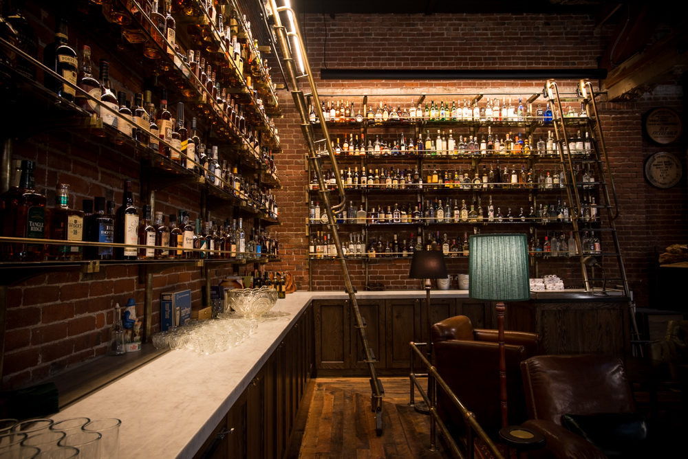 Multnomah-whiskey-library
