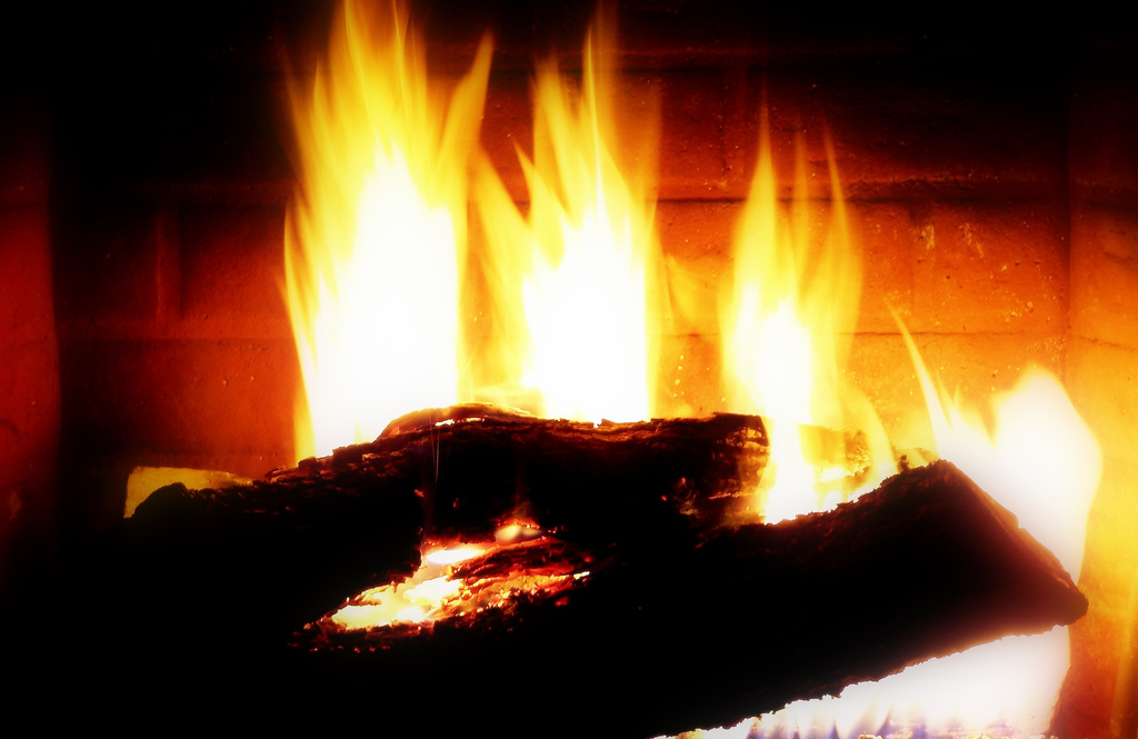 How to start a fire in a fireplace scotch addictscotch - Put out fire in fireplace ...